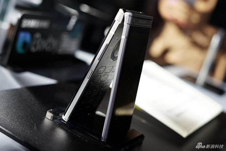 معرفی گوشی سامسونگ تاشو W2018 را با لنز عریض و دیافراگم F1.5